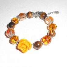 Bracelet perles en cristal marron et oeil de tigre avec rose moutarde