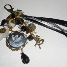 Bijoux de sac/porte clefs chevaux avec perles en cristal et rubans