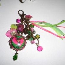 Bijoux de sac/porte clefs perroquets avec pierres et perles rose vert