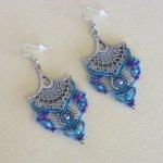 Boucles d'oreilles  bleu turquoise/violet en micro-macramé