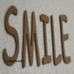 Lettre en bois decorative SMILE