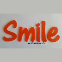Lettre deco Smile en plexi , hauteur 30 cm