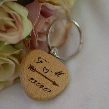 Porte clé en bois Coeur à personnaliser par gravure