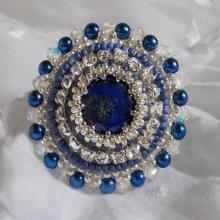 Bague tendance voyage brodée avec un lapis lazuli façon Nil Bleu