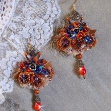 Boucles d'oreilles Chic Boho Ethnique Les Rêves d'Acapulco, cabochons brodées de différentes perles.