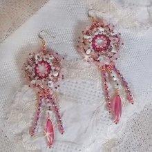 Boucles d'oreilles Haute couture avec des pierres brodées façon Rose Royale
