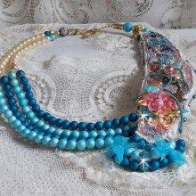 Collier brodé avec des cristaux de Swarovski façon Eternel Bleu
