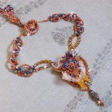 Collier Chic Boho Ethnique Les Rêves d'Acapulco, brodée tout en perles, cristal de Swarovski et cuir.