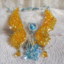 Collier Haute-Couture avec des cristaux de Swarovski brodé façon Versailles