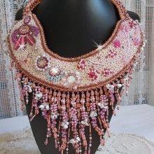 Collier Haute couture 'Rose Royale, la magie des perles