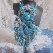 Collier Plastron artisanal 'La Petite Sirène' vagues de bleu
