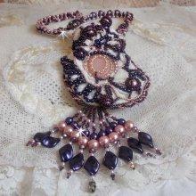 Collier avec un Quartz Rose, une pierre fine et des perles nacrées façon Grace