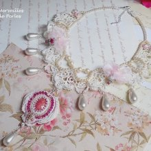 Collier Victorien 'Valmont' bijou somptueux avec ces perles très douces.