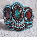 Bracelet manchette Turquoise brodé avec une pierre de gemme façon Haute-Couture