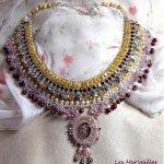 Collier plastron Reine des Nuits, une pluie de merveilleux cristaux et perles nacrées