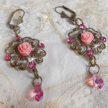 Boucles d'oreilles Irrésistible Eden avec ces cristaux de Swarovski montés sur des chandeliers de couleur Bronze