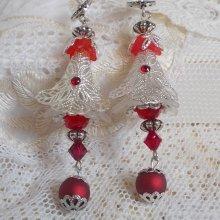 Boucles d'oreilles Tendre Rouge avec des Cristaux de Swarovski, des perles rondes facettées et des crochets d'oreille en argent 925/1000