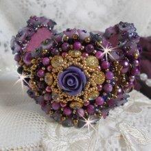 Bracelet La Passionnée de Venise brodé avec un ruban de soie Purple, des pierres semi-précieuse : Les sugililtes et des rocailles