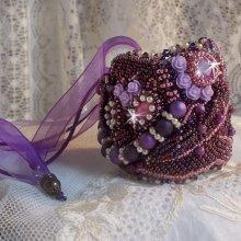 Bracelet manchette Chinese Purple Stone brodé des pierres fines les Sugilites