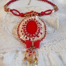 Collier Haute-Couture baroque brodé en perles semi-précieuses, cristal de Swarovski façon Nous Deux