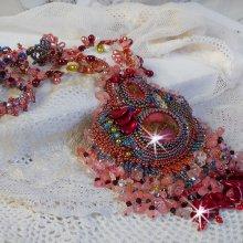 Collier brodé 'Fleur de Chine' magnifique couleurs