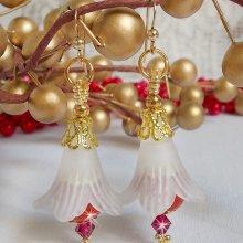 Boucles d'oreilles avec des perles en céramique rouge brodées Secret Oriental