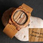 Montre en bois zébré à graver pour femme ou homme - cuir marron