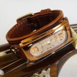 Montre femme cadran rectangle cuivre