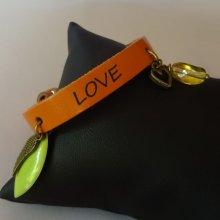 Bracelet à breloques en cuir gravé personnalisé