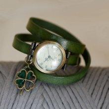 Montre bracelet Trèfle et sequin vert à personnaliser par gravure
